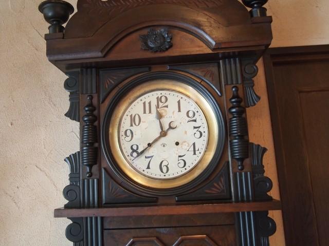 店内の古時計